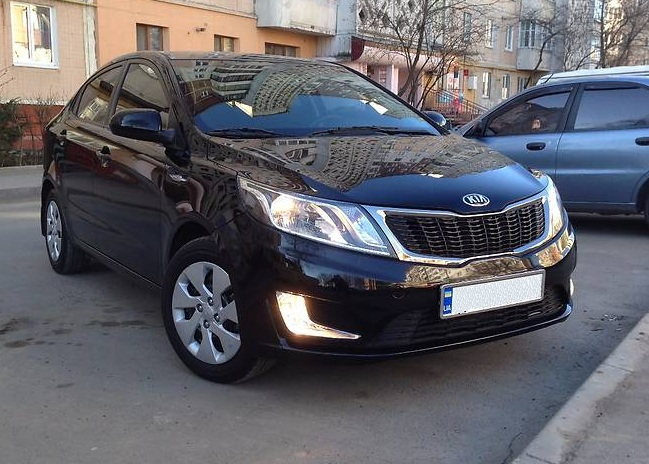 Kia Rio rent car kharkov